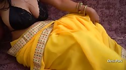 Indian Pari Bhabhi Play With Pussy And Big Boobs